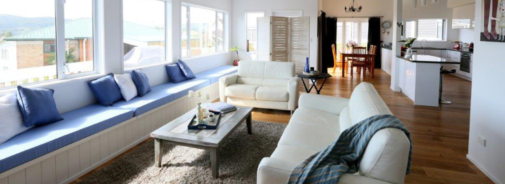 Bow street lounge